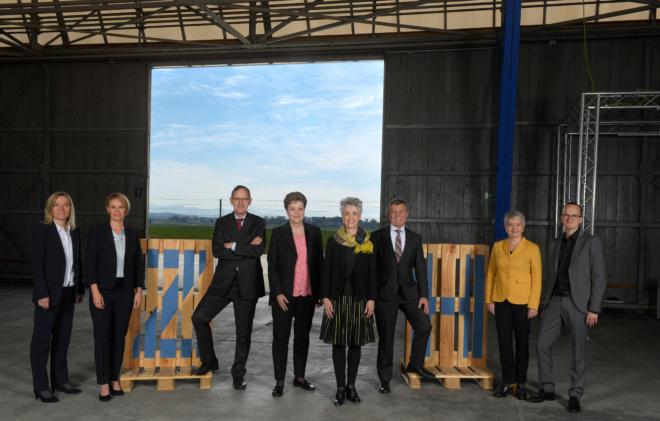 Foto: André Springer, Horgen; Von links nach rechts: Dr. Kathrin Arioli (Staatsschreiberin), Natalie Rickli, Mario Fehr, Dr. Silvia Steiner (Vizepräsidentin 2019/2020), Carmen Walker Späh (Präsidentin 2019/2020), Ernst Stocker, Jacqueline Fehr, Martin Neukom
