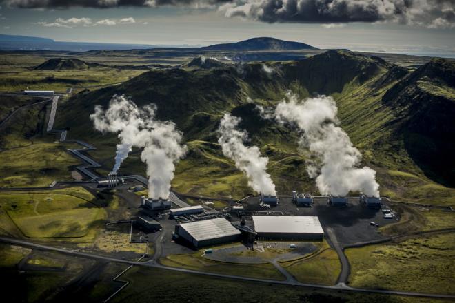 Eine Testanlage der Schweizer Firma Climeworks in Island, die CO2 aus der Luft filtert.