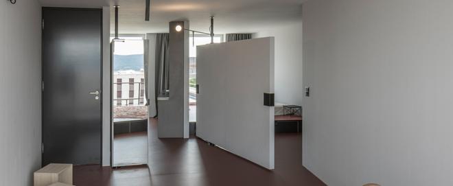 Die Wohnung der ETH kann dank beweglicher Elemente an verschiedene Lebensformen angepasst werden.