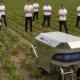 Bild; obs/AWK Group AG/Immanuel Denker; Das Team Rowesys mit seinem Agrarroboter