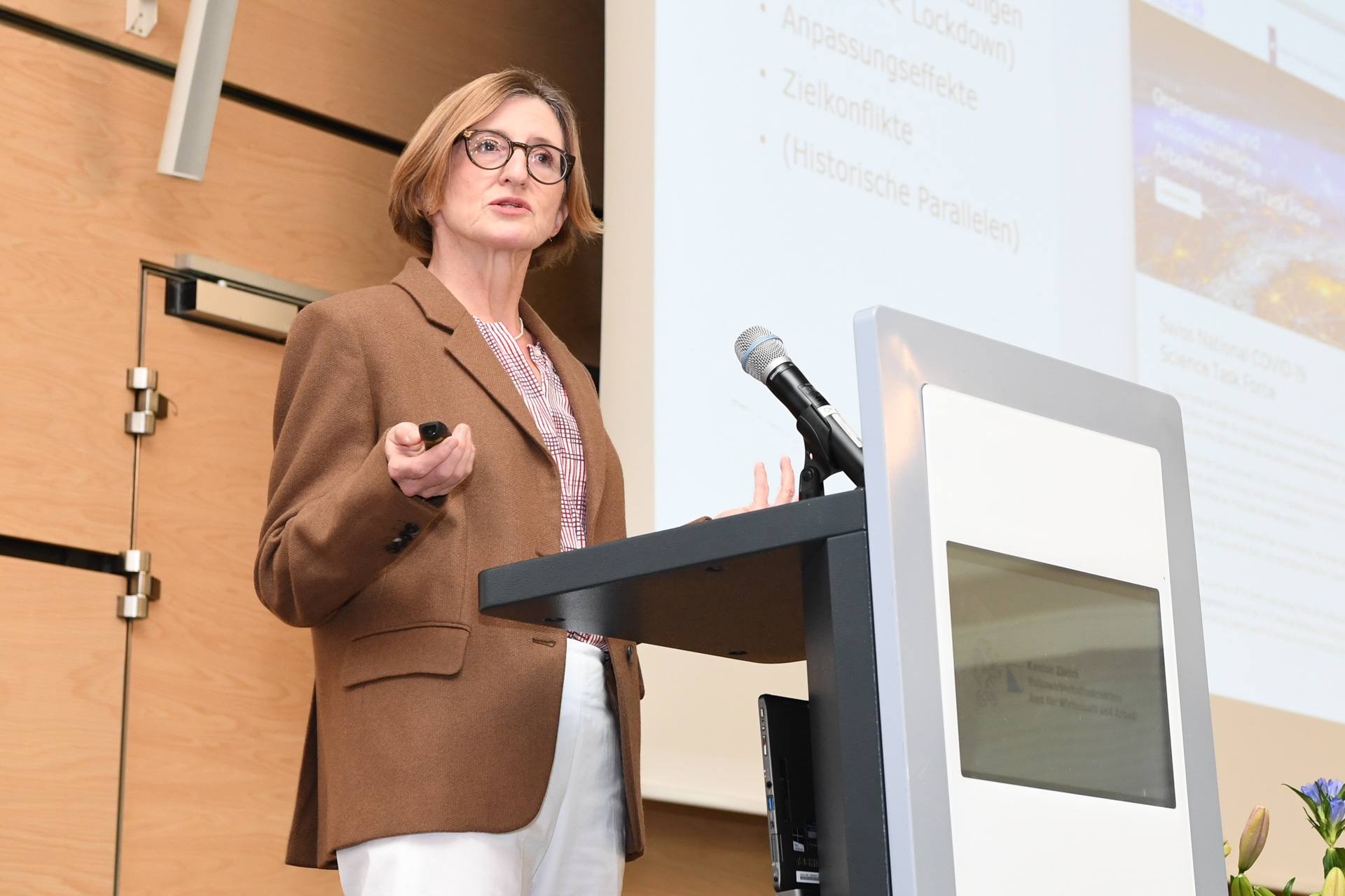 Bild: Andreas Bucher; Referentin Prof. Dr. Monika Bütler