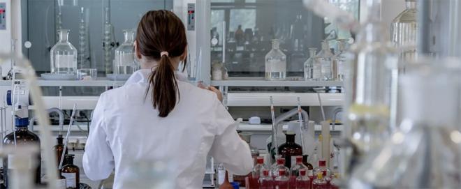 Bild: Pixabay; MaxWell Biosystems entwickelt eine Technolgie, welche die Entwicklung von Medikamente beschleunigen soll, die auf das Gehirn abzielen.