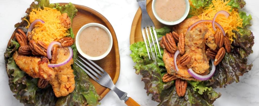 Bild: unsplash/sheri silver; Ist der Salat gesünder, wenn das Poulet darauf gar nicht aus Fleisch besteht, sondern aus pflanzlichen Proteinen?