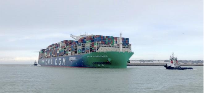 Bild: CMA CGM; Ein Containerschiff von CMA CGM trifft in Frankreich ein.