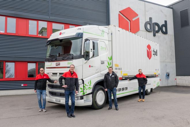 Bild: Evelyn Harlacher; Übergabe vollelektrischen Futuricum Logistics 18E an DPD Schweiz durch Designwerk Products AG.