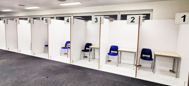 Bild: RecycleWorks; Die Trennwände des Testcenters am Flughafen Zürich sind wiederverwertbar.