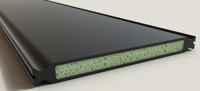 Bild: Hochuli advanced; Im Inneren des Dämmstegs befindet sich ein aus wiederverwerteten PET-Flaschen geformter Schaumstoff.