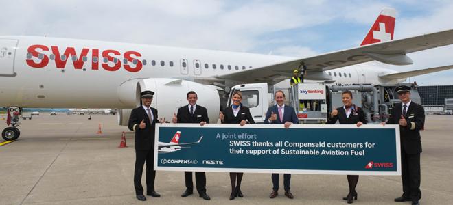 Bild: Swiss; Am Flughafen Zürich ist ein Linienflugzeug der Swiss mit nachhaltigem Flugtreibstoff betankt worden.